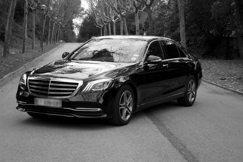 Mercedes classe S noir et blanc de devant
